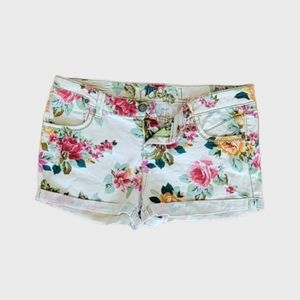RUE21 GREAT COND FLOWER ROSES STRETCH JEAN SHORTS